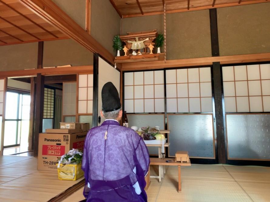 加茂市の古民家フルリノベーション、解体前のお祓い