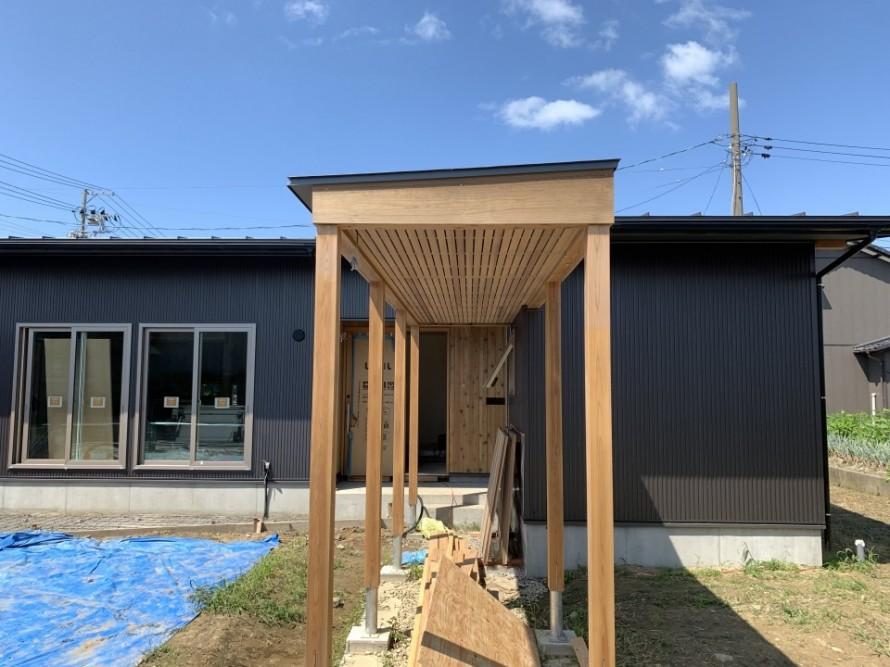 WAKURAS低炭素住宅平屋の家、外構工事真っ最中