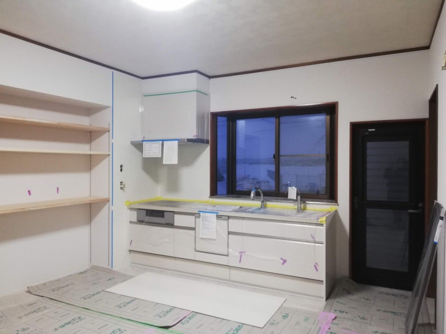 新潟市秋葉区小須戸でキッチン取付