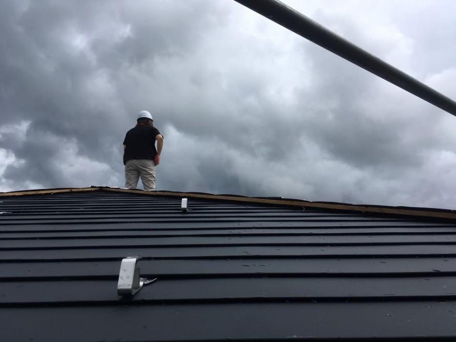 雨漏りには早めの対処を。田上町 屋根葺き替え工事