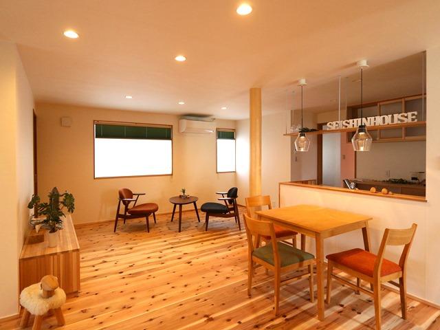 「それぞれがワンフロアで暮らす二世帯住宅」明日から公開です!