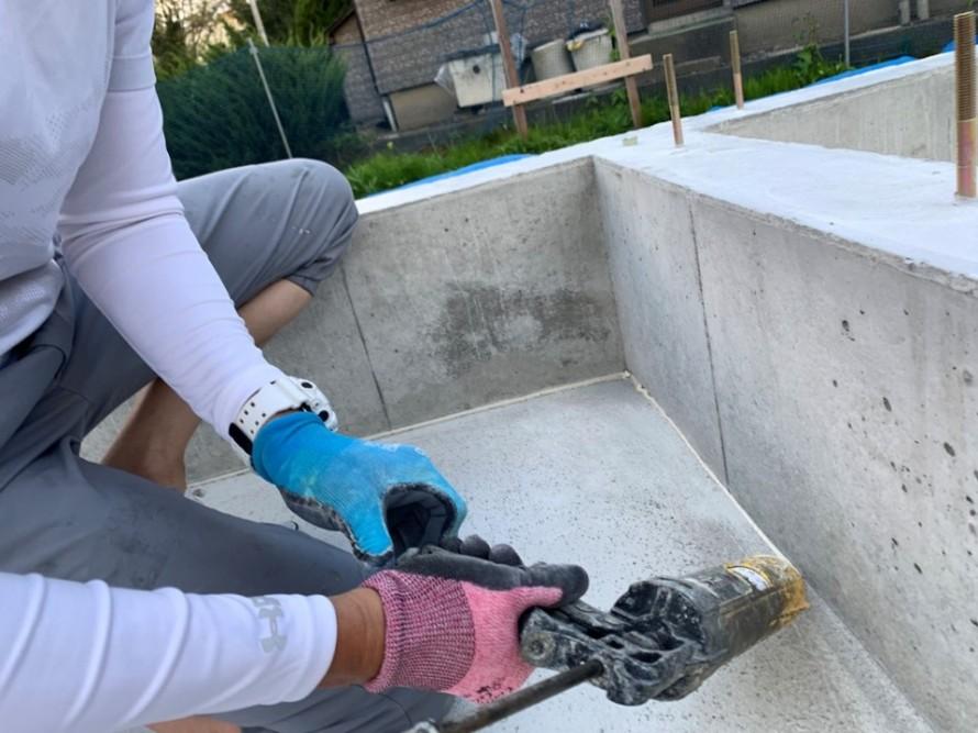 江南区亀田東町の平屋新築工事で基礎のホウ酸・防蟻施工しました