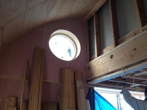 丸窓とR天井